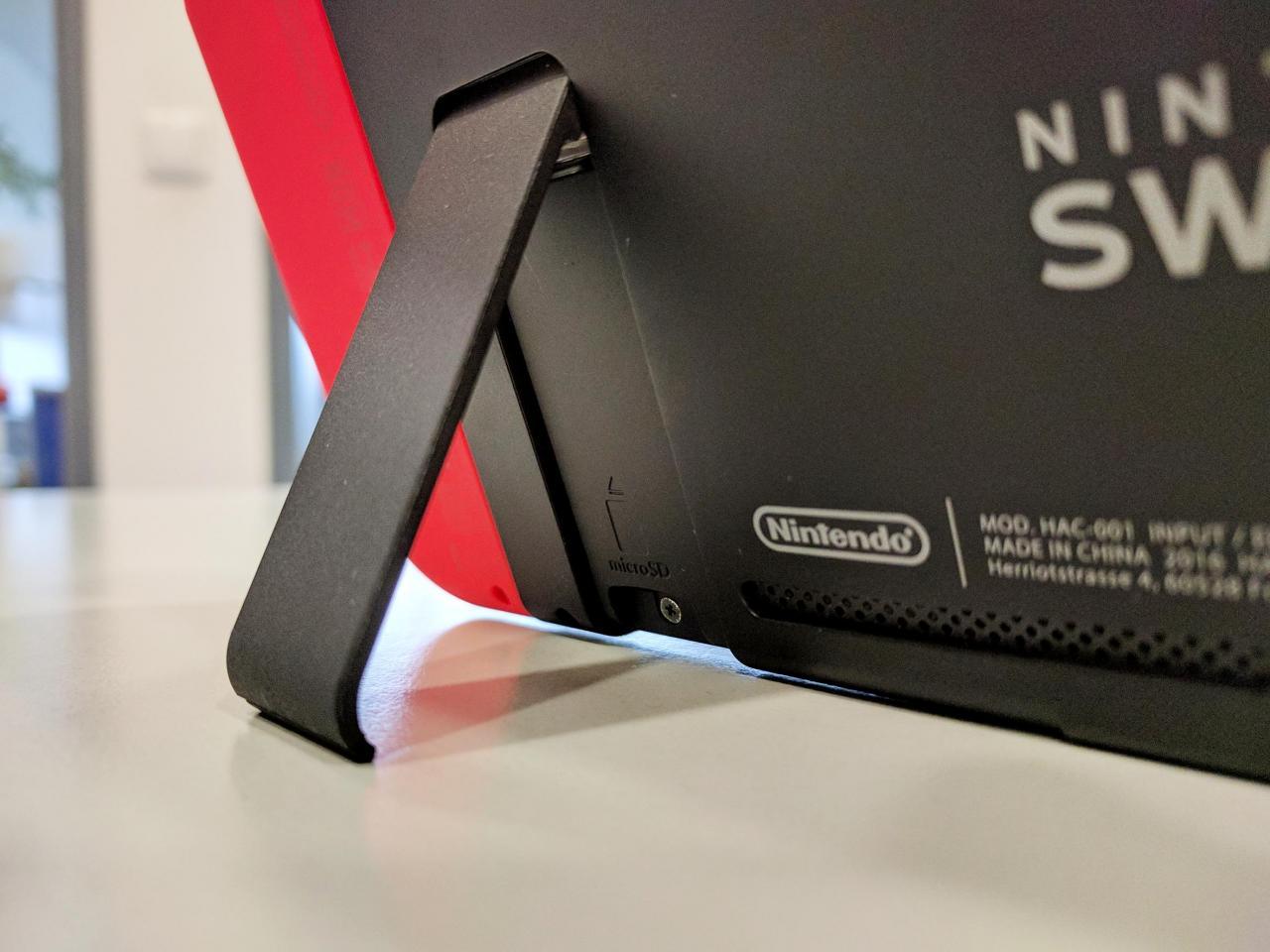 Switch Sd Karte Einlegen.Nintendo Switch Speicherkarten An Eine Konsole Gebunden
