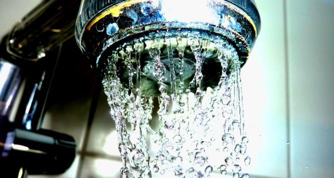 wasserverbrauch j hrlich badewannen s wasser pro mensch weltweit. Black Bedroom Furniture Sets. Home Design Ideas