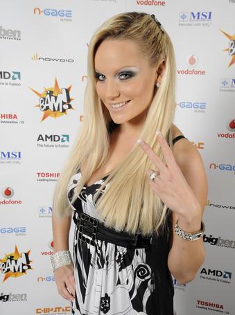 http://www.pcgames.de/screenshots/811x455/2008/11/Gina_Lisa.jpg