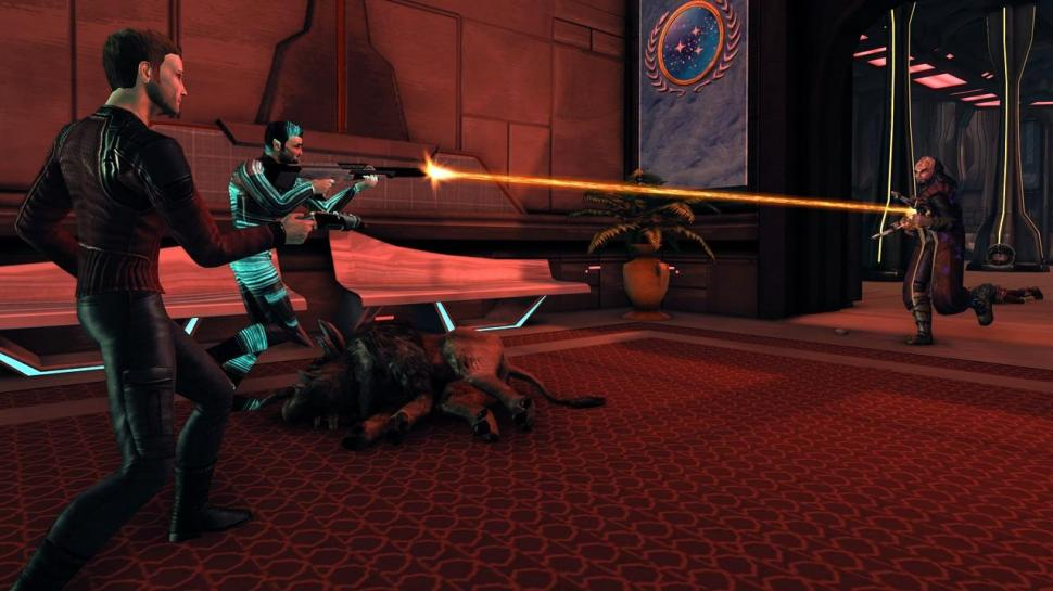 Screenshots aus Star Trek Online.