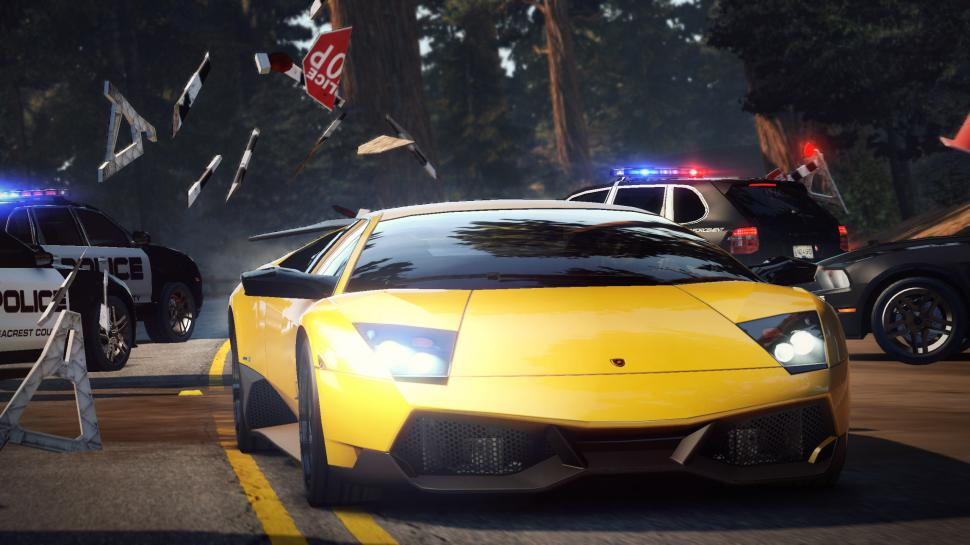 Screenshots aus Need for Speed: Hot Pursuit.