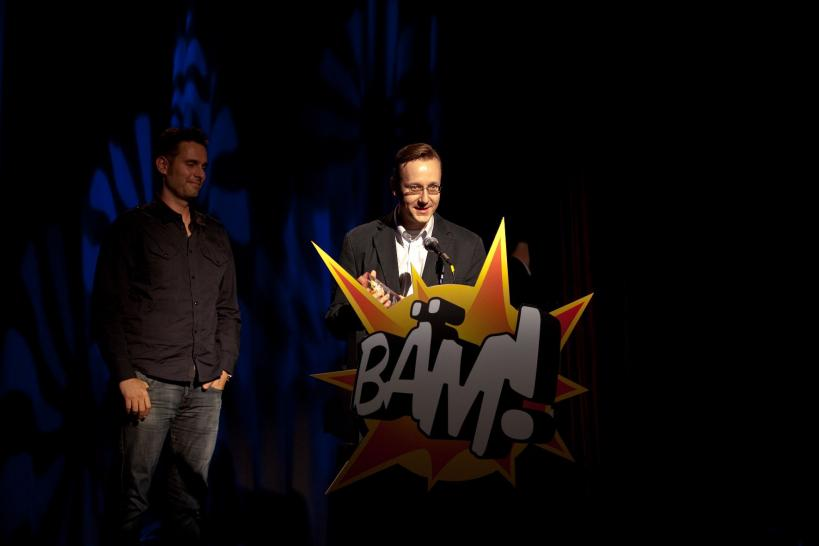 BÄM 2010: Activision-Pressesprecher Christian Blendl holt sich den BÄM! für Call of Duty: Modern Warfare 2 ab. Auch 2011 für Call of Duty: Black Ops?