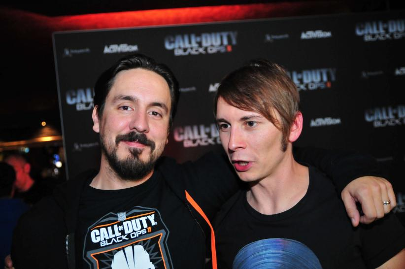 Thorsten Küchler mit Lead Cinematics Animator Adam Rosas - Wir waren in Berlin beim Launch-Event zu Call of Duty: Black Ops 2 und haben jede Menge Fotos mitgebracht.