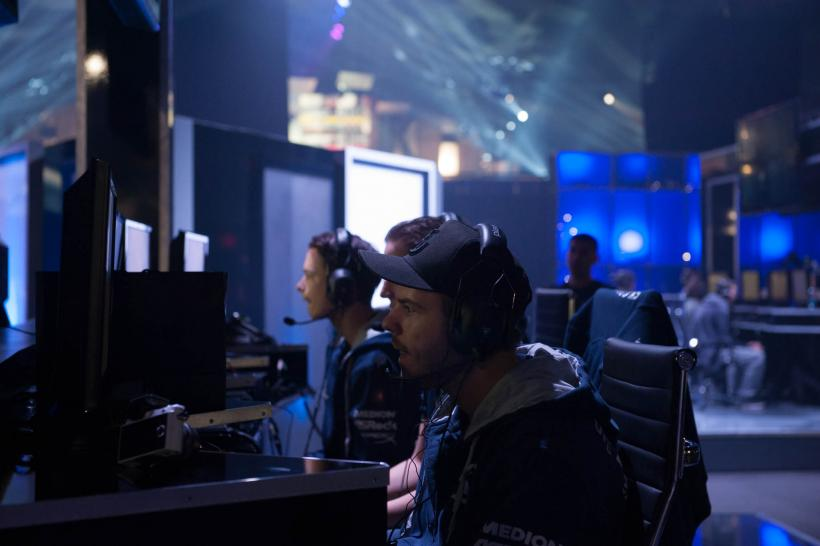 Call of Duty Ghosts - SK Gaming bei den Call of Duty Championships 2014. Das deutsche Team schied früh aus, ließ es sich jedoch nicht nehmen, euch Profi-Tipps zu den Maps des Turniers zu bieten.