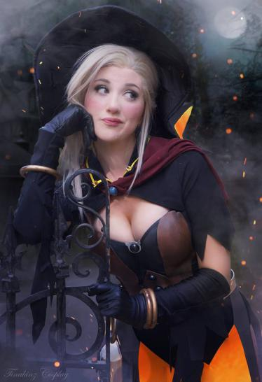 Overwatch-Cosplay zu Halloween: Mercy, die sexy Hexe (1)