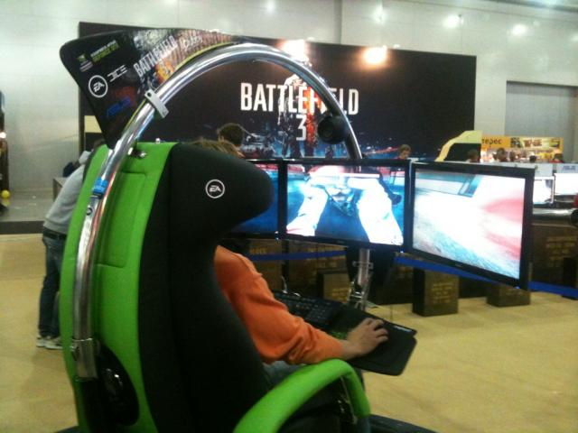 battlefield 3 nvidia pr sentiert force feedback sessel mit drei monitoren dice ver ffentlicht. Black Bedroom Furniture Sets. Home Design Ideas