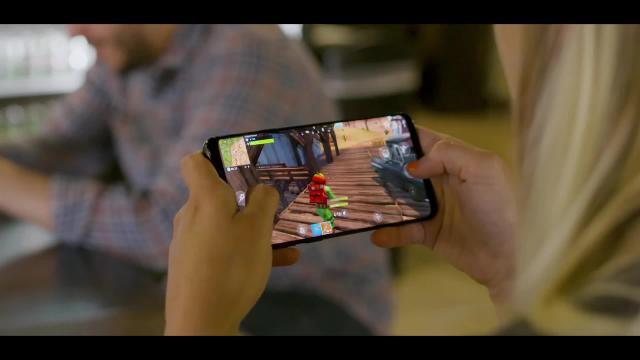Fortnite Battle Royale Trailer Zum Start Der Android Beta