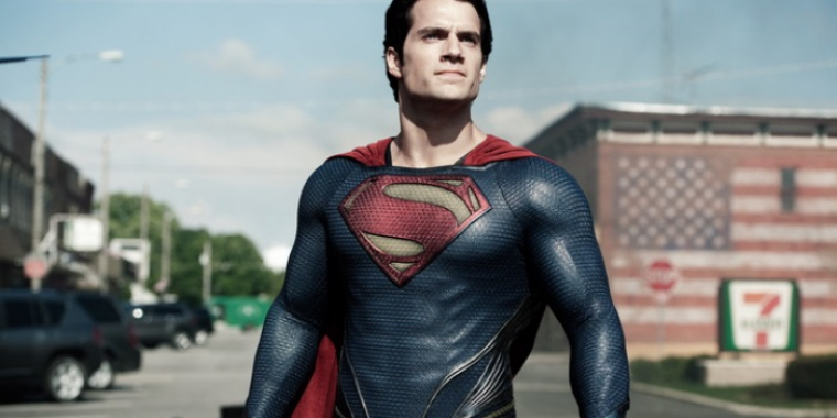 "Henry Cavill in ""Man of Steel"" (2013) (Bild: Warner)"