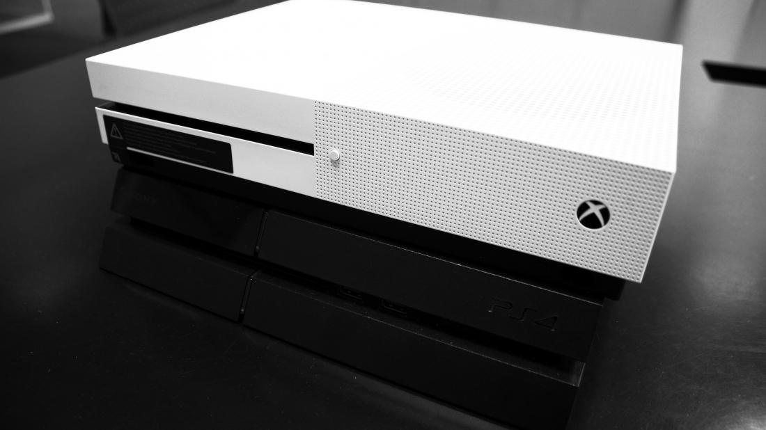 Xbox One Vs Xbox One S : Xbox one s vs ps konsolen im direkten bildervergleich