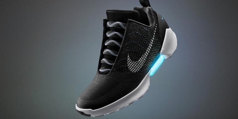NikeMarty in McFlys Handel kommen selbstschnürende den Schuhe nwONPkZX80