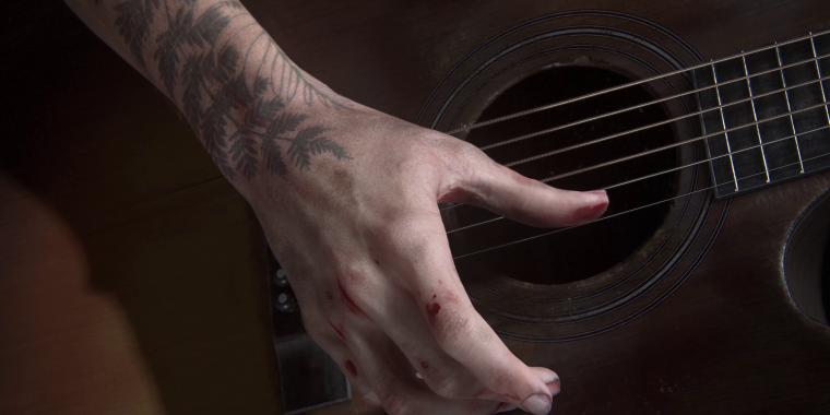 The Last Of Us Part 2 Ellies Tattoo Und Outfit Vorgestellt
