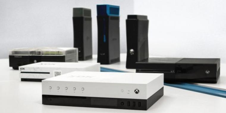 Ein kurzes Video zeigt die Devkits der Xbox Scorpio. video zeigt devkit der neuen microsoft-konsole Video zeigt Devkit der neuen Microsoft-Konsole xbox scorpio dev kit 1 pc games b2article artwork